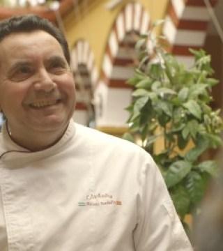 Elaboracion de migas para la televisión Árabe en el Restaurante Sociedad Plateros Maria Auxiliadora Por Manolo Bordallo  1