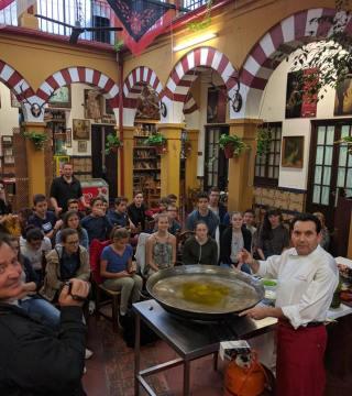 Curso de paella para estudiantes franceses en el Restaurante Sociedad Plateros Maria 15