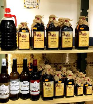 Despacho de vinos a granel Sociedad Plateros María Auxiliadora 02