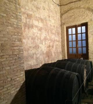 Despacho de vinos a granel Sociedad Plateros María Auxiliadora 14