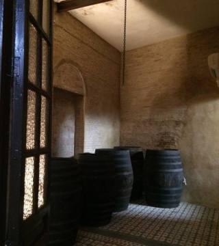 Despacho de vinos a granel Sociedad Plateros María Auxiliadora 17