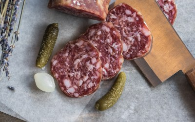 How to create an iberian meat and cheese board