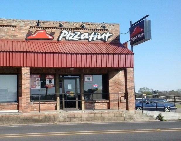 Family Pizza Restaurants Near Me
