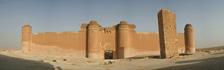 Qasr_al_Heir_ash-Sharqi,_eastern_Syrian_desert3