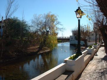 Fonte Pequena at Alte, has two little bridges