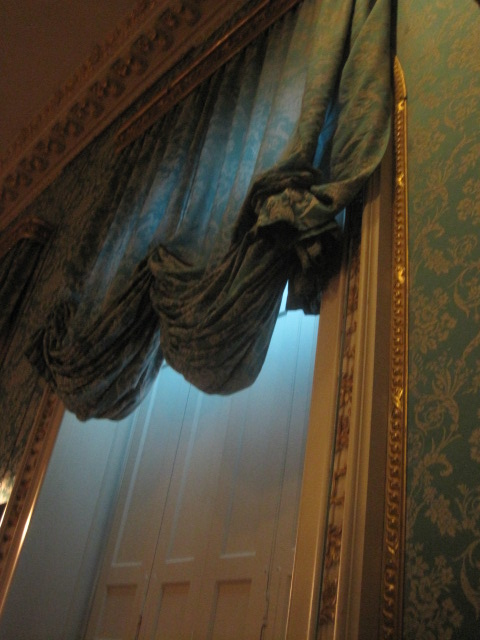 And a wonderful swag of curtain