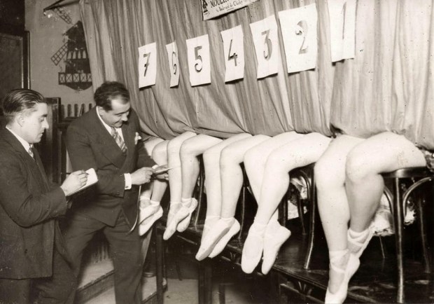 Beauty of Women's Legs from the 1920s-30s (6)