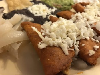 Los Candiles: Feeding on Other Cultures