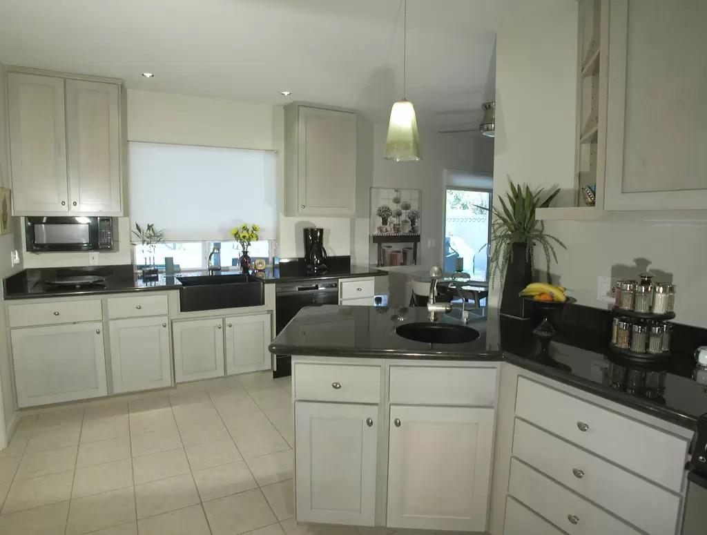 The Benefits of Choosing Black Granite Countertops on Black Countertops  id=95427