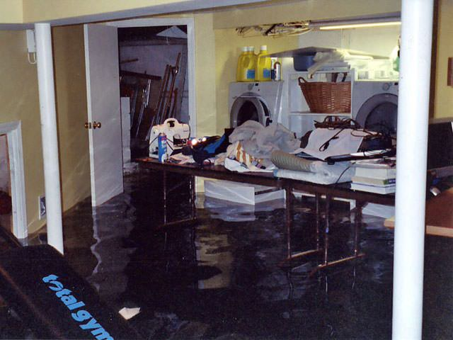 06lg-flooded-home