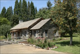 Pioneer Mothers Cabin, Champoeg