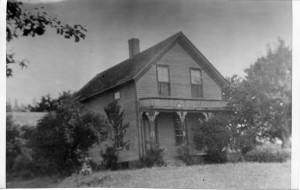 The Carman House in about 1900 (Photo courtesy Lake Oswego Library)