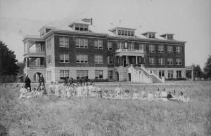 Historic photo of Christie School  (photo courtesy of Lake Oswego Public Library)