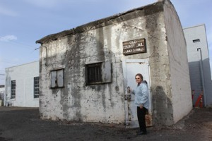 The historic Jefferson County jail has long been a popular backdrop for visitors' photos (Portland Tribune)