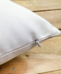 Pillow zipper detail
