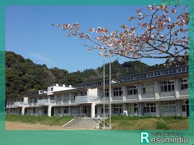 ゆりやんレトリィバァ 吉野町立吉野中学校