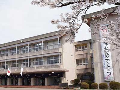 砺波市立庄西中学校