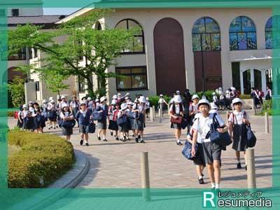 泉里香 聖母学院小学校