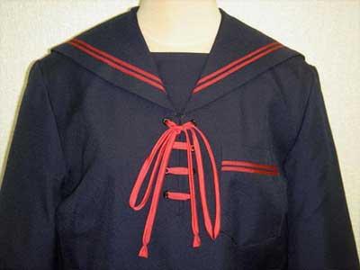 歌敷山中学校の参考制服画像