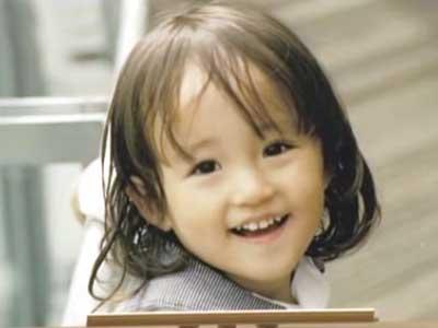 山木梨沙 幼少期 2歳