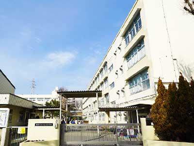 横浜市立左近山小学校