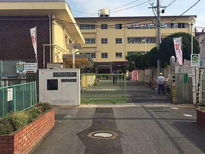 八尾市立東山本小学校