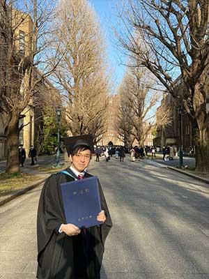 林輝幸 大学時代 卒業式