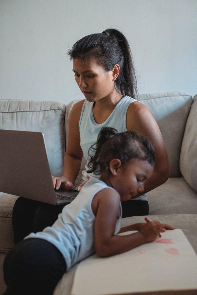 job concediul de îngrijire al copilului