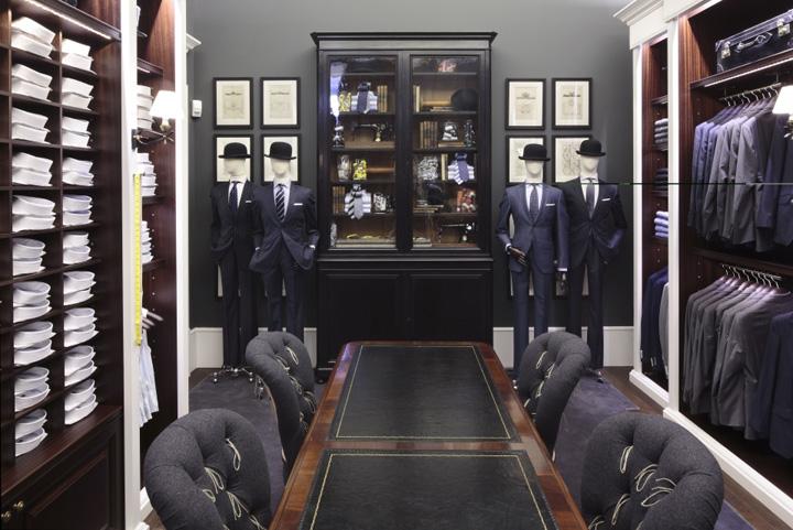 Hackett London Store Milan