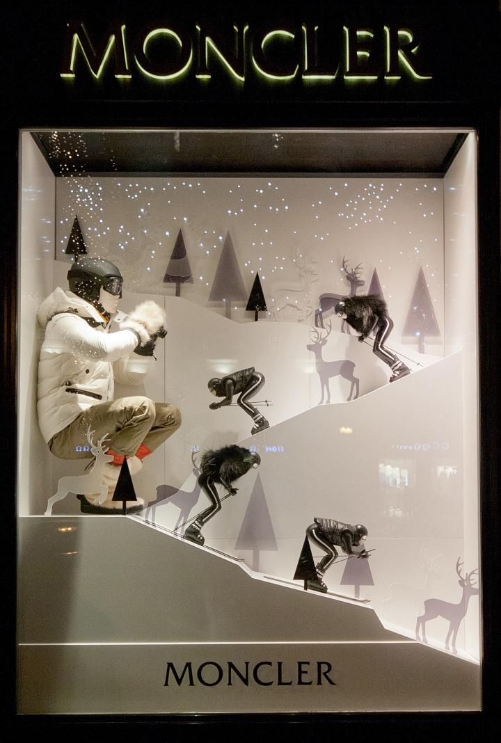 Moncler Windows 2015 Winter Budapest Hungary Retail