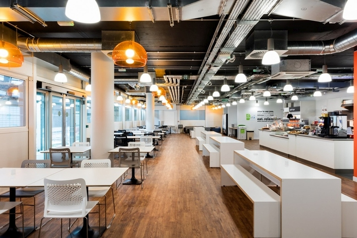 , easyJet Offices & Training Facility by Area Sq at Gatwick Airport, London – UK, Office Furniture Dubai | Office Furniture Company | Office Furniture Abu Dhabi | Office Workstations | Office Partitions | SAGTCO