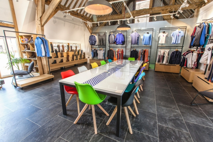 , Ariat Europe UK Head Office by Closed Sundays, Oxfordshire – UK, Office Furniture Dubai   Office Furniture Company   Office Furniture Abu Dhabi   Office Workstations   Office Partitions   SAGTCO