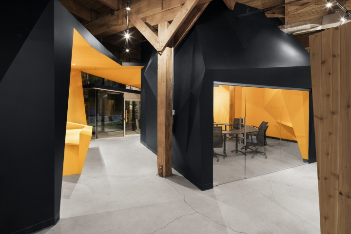 , PixMob Offices by Jean de Lessard, Designers Créatifs, Montreal – Canada, Office Furniture Dubai | Office Furniture Company | Office Furniture Abu Dhabi | Office Workstations | Office Partitions | SAGTCO