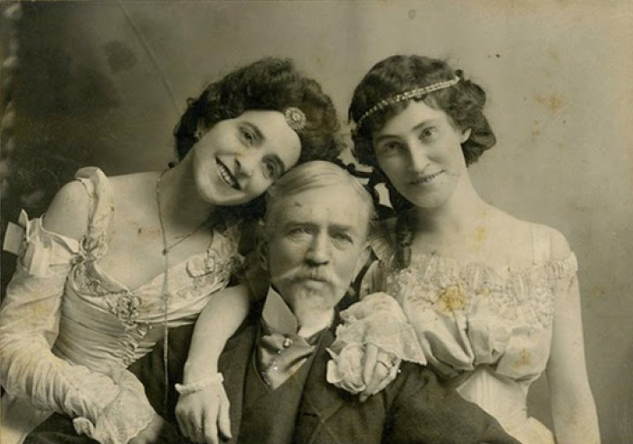 funny-victorian-era-photos-silly-vintage-photography-20-575140879f782__700