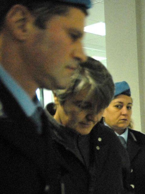Busto Arsizio (VA). Suor Mariangela Farè arrestata per pedofilia e persecuzioni in oratorio, La vittima, 12 anni, si suicidò. Trovati i diari col resoconto degli abusi