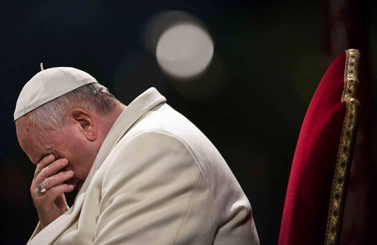 Un sondaggio sulla pedofilia boccia Bergoglio