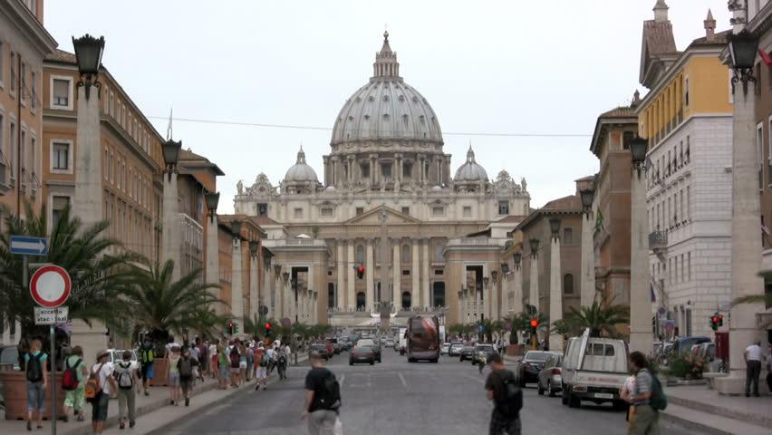 Vaticano, avviata rogatoria con gli Usa per ottenere le prove pedo-pornografiche contro il diplomatico del Papa