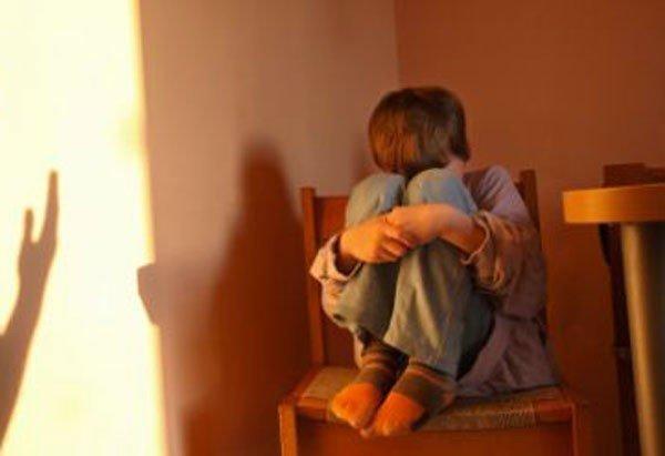 Catania. Ragazzini abusati durante riti religiosi, le madri: «E' una purificazione». Arrestato un santone