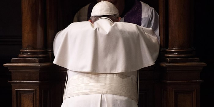 Il Papa scomunica un prete australiano che ha violato il sigillo della Confessione