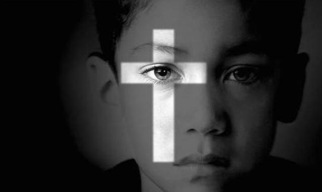"""VILMINORE – LA TESTIMONIANZA: """"Io, abusato da un prete a 13 anni"""". Quando il pastore si trasforma in un lupo"""