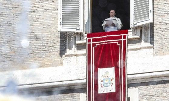 """Papa Francesco: """"Con vergogna e pentimento ammettiamo di aver abbandonato i piccoli"""". Lettera del Papa sulla pedofilia"""