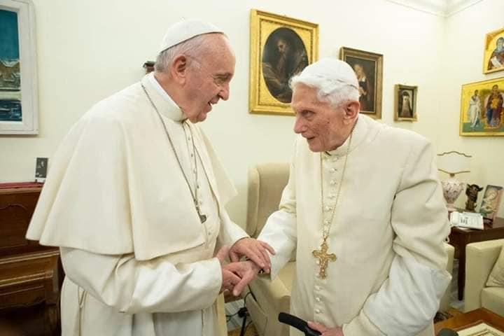 """""""Dietro le dimissioni di Ratzinger c'è lo scandalo pedofilia"""""""