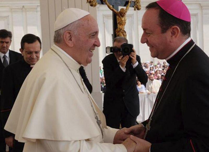 Il Papa sempre più complice: Zanchetta, denunciato per abusi, è un amico