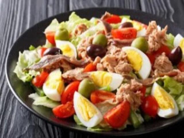 o -salata- gustoasa- de -ton-super-delicioasa.jpg