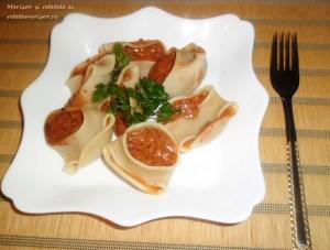 Lumaconi-cu-sardine-in-sos-tomat-4