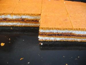 prajitura-de-post-cu-crema-de-gris-si-gem-6