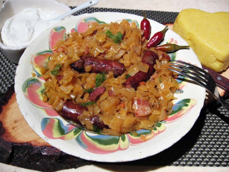 Varza-la-cuptor-cu-bacon-carnati-8