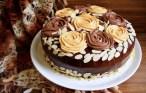 Tort duo caramel cu ciocolată și migdale