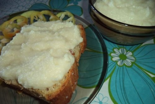 Crema de conopida cu usturoi