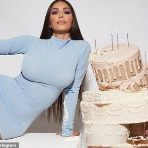 Cum își petrece Kim Kardashian ziua de naștere. Ce urări adorabile a primit vedeta